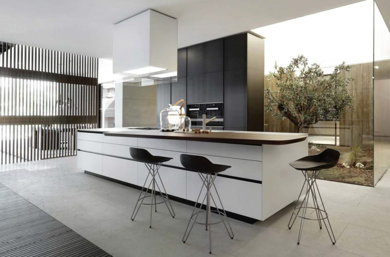 Book Varenna kitchens